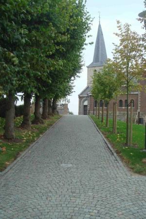 Openbare ruimte kerkplein te Kleine-Spouwen